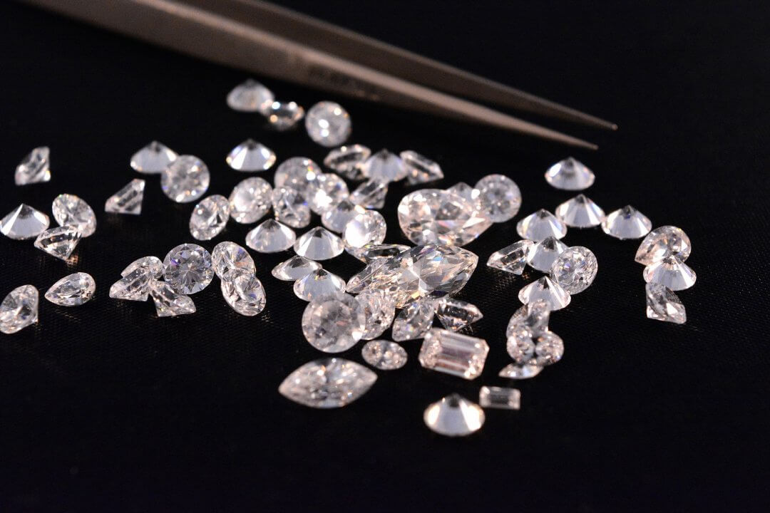 diamonds-4040800_1920
